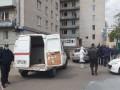 COVID-19 нашли у 37 человек в общежитии под Киевом: Здание окружили копы