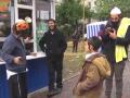 Видео дня: акция FEMEN в Париже и песня о Путине из уст хасидов