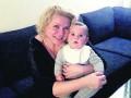 Медсестра Каддафи родила сына и показала его фото