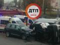В Киеве маршрутка столкнулась с внедорожником: пять пострадавших