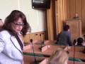 В Славянске чиновница публично проигнорировала минуту молчания