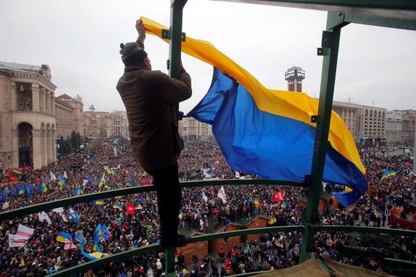 В Киеве на акцию протеста против режима  Януковича вышло около одного миллиона человек.