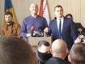 Черкасский депутат не захотел выступать на украинском, но ему помогли