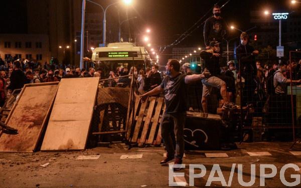 В Беларуси появляются первые баррикады