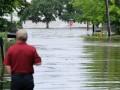 В США шторм Барри перерос в ураган