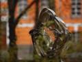 В парке Шевченко установили новую романтичную скульптуру (фото)
