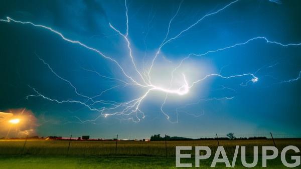 На западную Украину обрушилась непогода