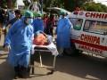 На месте крушения самолета в Пакистане найдены десятки выживших