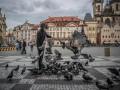 В Чехии разрешили ходить без масок на улице