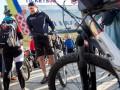 Кличко вместе с киевлянами приехал на работу на велосипеде (фото, видео)