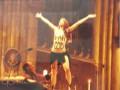 Активистка FEMEN сорвала рождественскую мессу в Кельнском соборе