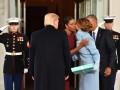 Мишель Обама рассказала о подарке от Мелании Трамп