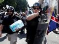 Трампа критикуют за комментарии о протестах в Вирджинии