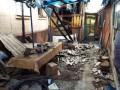 Боевики накрыли огнем Станицу: ранен боец АТО, сгорел жилой дом
