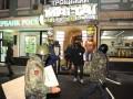 Ночью в Киеве люди в масках разгромили два ресторана