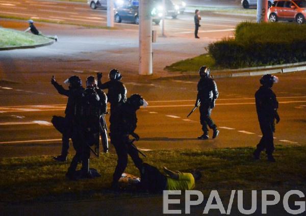 Участник протеста погиб в Минске в столкновении со спецназом Беларуси