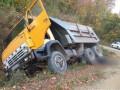 На Буковине грузовик раздавил своего владельца