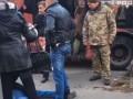 В Киеве в маршрутке мужчины устроили поножовщину