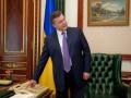 Ъ: Янукович угостил студентов чаем и организовал экскурсию в свой кабинет