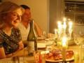 Украинцы готовы отпроситься с работы ради свидания - исследование
