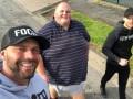Крайние меры: Британский тренер запретил всему городу кормить тучного клиента