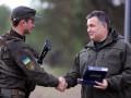 МВД засекретило списки получивших наградное оружие