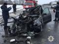 Под Харьковом Audi на скорости въехала в фуру: 4 погибших
