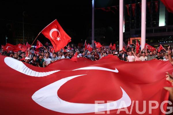 Эрдоган объявил о введении в Турции режима чрезвычайного положения на 3 месяца
