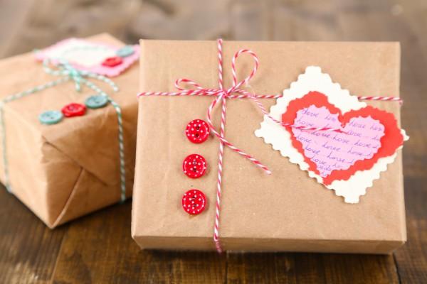 Что подарить на день влюбленных парню