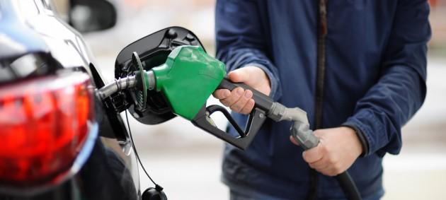 Цены на бензин и дизтопливо возобновили рост