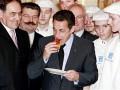 Цифра дня. Президент Франции кушает на $15 000 в день