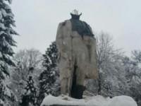 На Львовщине задержали вандалов, отбивших голову памятнику Шевченко