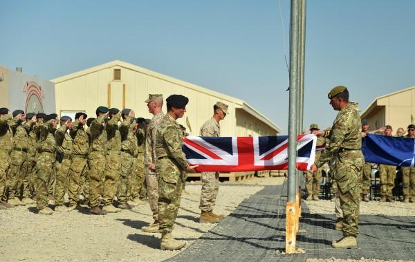 Британия отправляет солдат в ирак