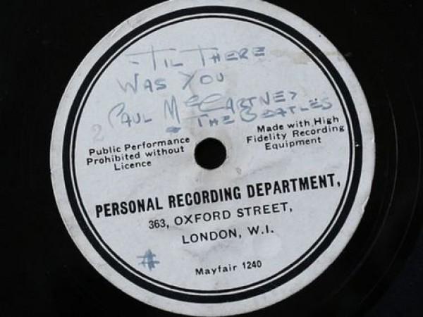 Редчайшая плаcтинка The Beatles будет продана с аукциона