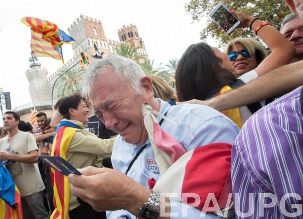 Каталонцы празднуют провозглашение независимости