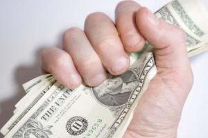 Украинцы установили годовой рекорд по скупке долларов