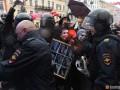 В Санкт-Петербурге на первомайском митинге задержали 12 человек
