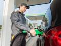 Сети АЗС повысили цены на топливо