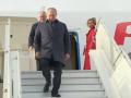 Самолет с Путиным приземлился в Париже