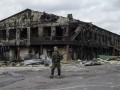 Появились фото разрушений и братской могилы в селе Нижняя Крынка