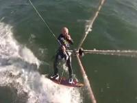 В США серфингист столкнулся с китом