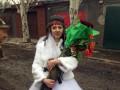 В шлемофоне и с гранатометом: фото невесты боевика взорвало сеть