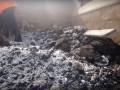 В России ямы на дорогах латают с помощью снега