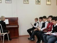 В российской школе детям задали выучить текст песни Владимирский централ