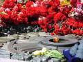 Ничего святого: в Киеве разломали Вечный огонь