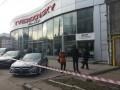 В Одессе бандиты захватили автосалон и взяли заложников - СМИ