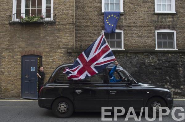 В Великобритании за сутки собрали почти миллион подписей