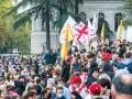 В Тбилиси оппозиция требует новых выборов