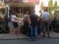 В Киеве активисты подрались с полицейскими во время суда над бойцами Торнадо