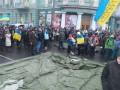 Участники Евромайдана начали установливать армейские палатки у Кабмина